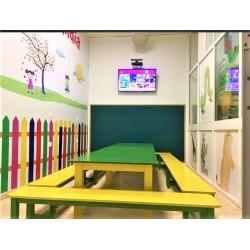 Conjunto de mesas y bancos infantil
